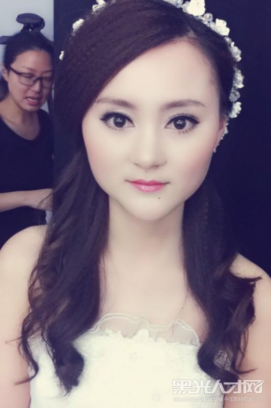上海嘉定人才网_松江区化妆师求职  人才简历 2012在影楼做过学徒 2013在上海维利娅