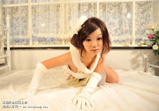 简单高中底婚纱照发型步骤图片