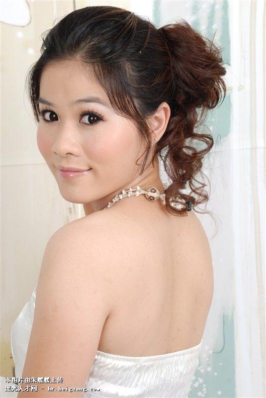 2008/11 -- 2009/1 谷兰尚妆培训中心  学习国际流行妆面,造型.