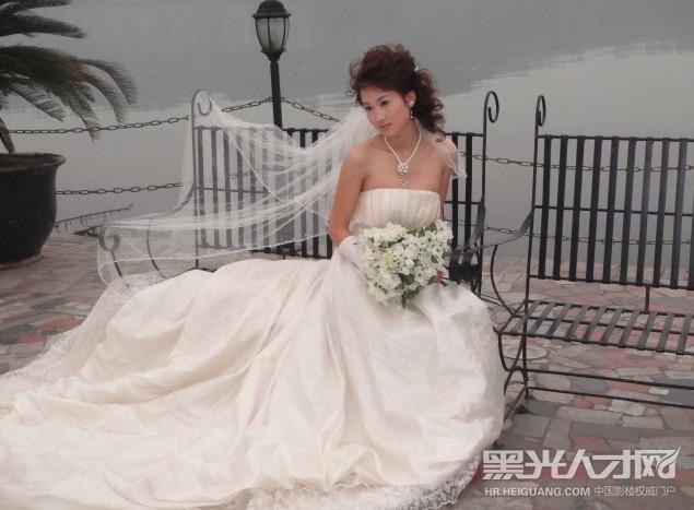 杨颖婚纱设计图