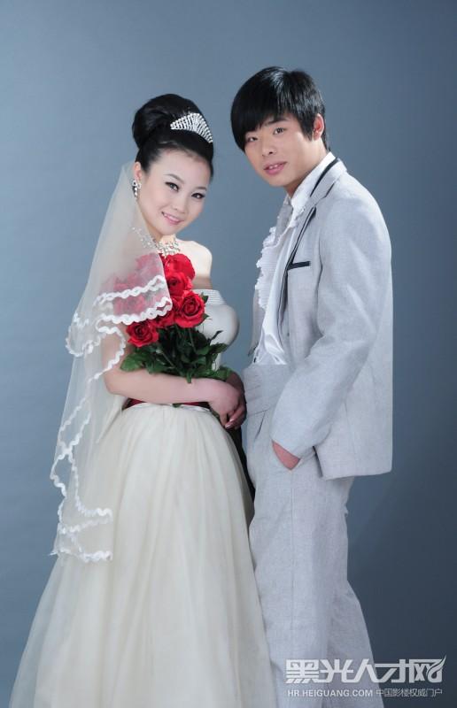 刘兰玉设计的婚纱图片