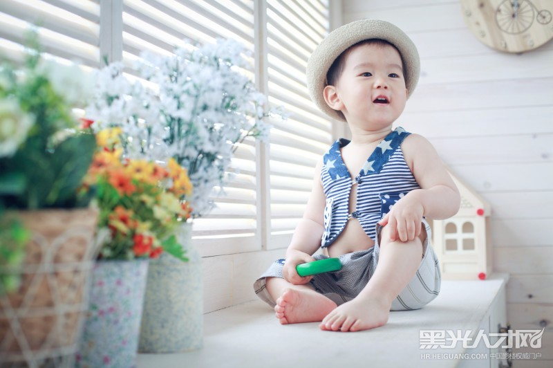 赵龙求职儿童摄影师_【黑光人才网】影楼招聘第一品牌!